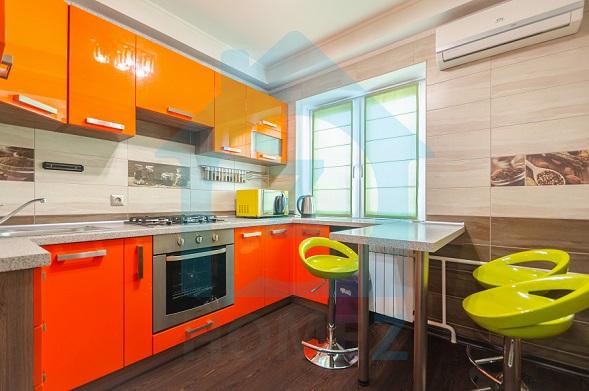 Продается 2 к. квартира  на Антоновича 99